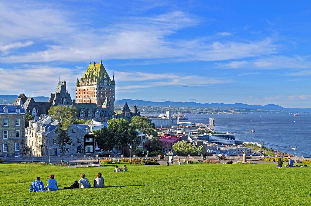 Wisata Funicular Di Kota Tua Quebec